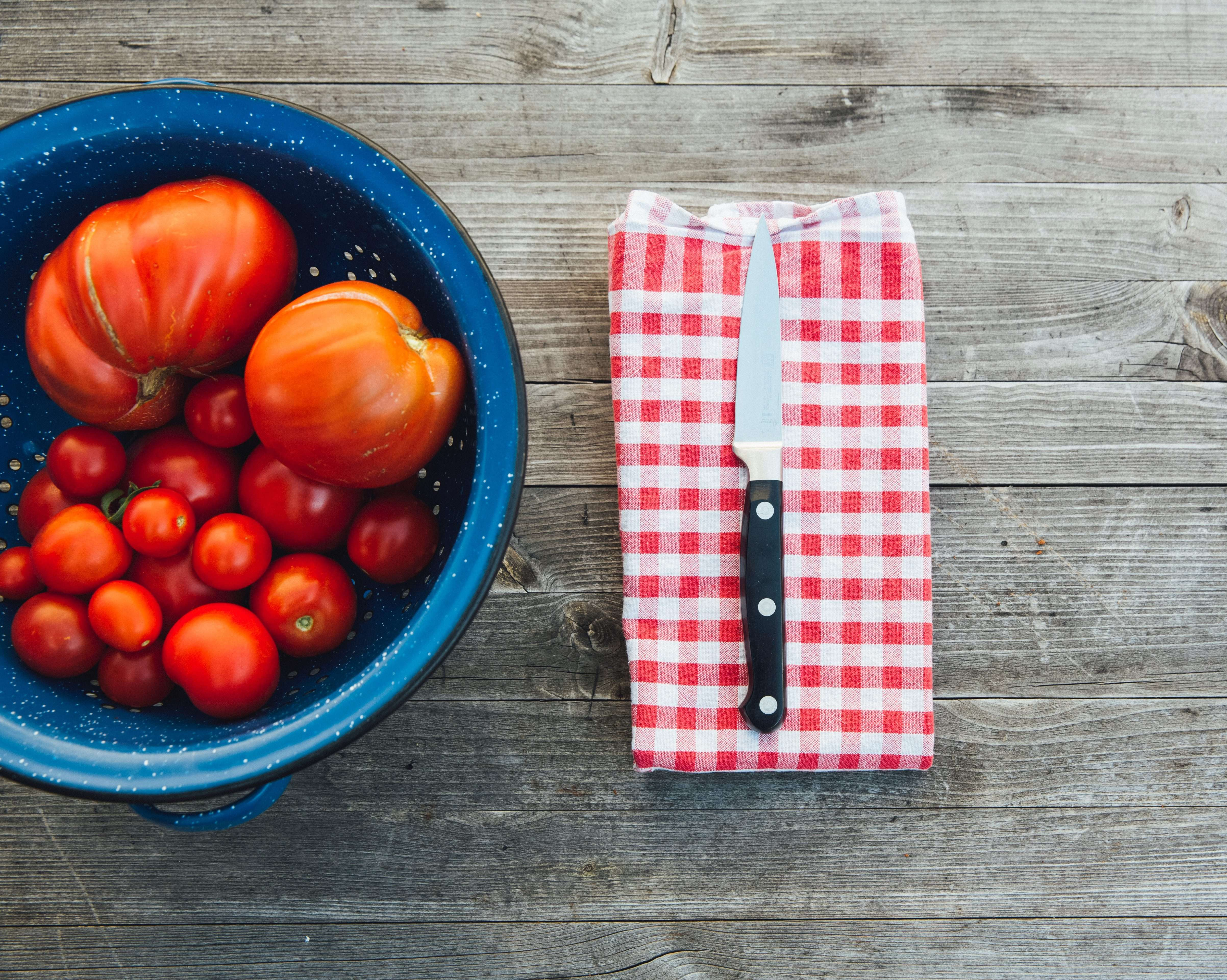 Tomato Salad An Easy French Recipe for Summer with a twist ...